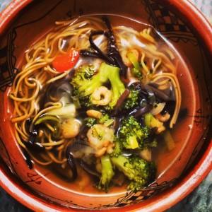 Pho crevettes brocoli